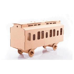 Zabawka z tektury Wagon Osobowy. Leolandia
