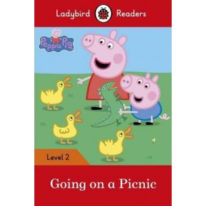 Ladybird Readers Level 2: Peppa Pig Going on a Picnic
