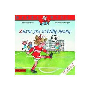 Mądra mysz Zuzia gra w piłkę nożną